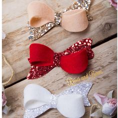 Twist Bow Headband - Teist Bow Clip - Felt & Glitter Bow - Baby Bow - Baby Headband - Hair Bow Choice of Colours.Red hair bow red white and blu Diy Baby Headbands, Diy Hair Bows, Diy Bow, Diy Headband, Baby Bows, Making Hair Bows, Bow Hair Clips, Felt Bows, Ribbon Bows