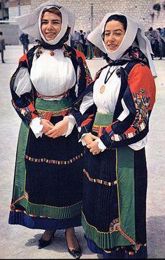 Overview of Sardinian Costume   Atzara.