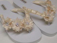6cc0040d92a3e Ivory Bridal Flip-Flops   Wedding Ivory Flip Flops   Flowers Flip Flops    Pearl - Rhinestones Flip Flops  Bridal Sandals   Bridesmaids Shoes