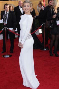Premios del Sindicato de Actores 2010 (SAG). Kate Hudson. Vestido blanco de Emilio Pucci.