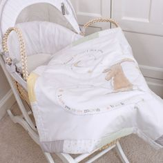 Guess How Much I Love You – Moses Basket