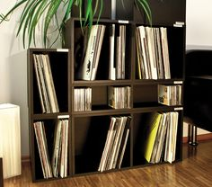 http://coloredvinylrecords.com/blog/vinyl-record-storage-and-shelving-solutions/