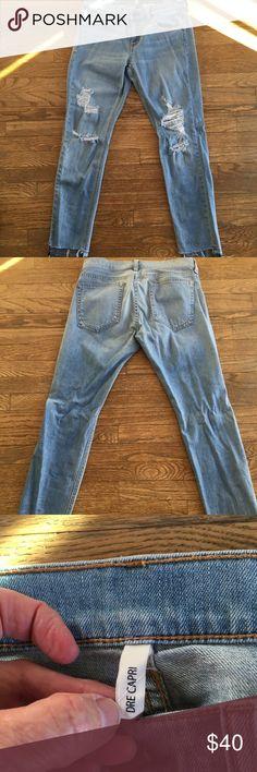 Rag and Bone Dre Capri Sz 26 distressed look! Distressed condition Rag and Bone Dre Capri jeans Sz 26. rag & bone Jeans Ankle & Cropped