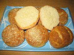 http://vesiperhonen.blogspot.fi/2015/02/hampurilais-sampylat_28.html?spref=fb