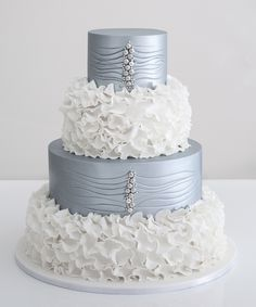 Don't try to hide it—you've been dreaming of smashing your wedding cake into your husbands face for months! It'll be the dessert of the hour, so make sure it's exactly what you want. These wonderful wedding cake ideas might just be what you envisioned. Whether it's a trendy macaroon cake, something with ruffles, or chic like […]