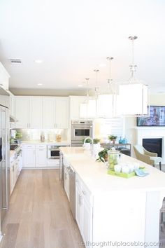 A Thoughtful Place: Friday Eye Candy: Light & Bright Home Tour – trends Kitchen Interior, Kitchen Decor, Kitchen Design, Kitchen Ideas, Kitchen Layout, Kitchen Storage, A Thoughtful Place, Bright Homes, House Design Photos