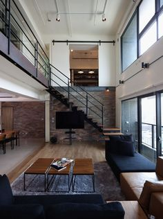 The Lai Residence in Kaohsiung City, Taiwan. This penthouse is breathtaking. Spaces, materials and decoration are elegant, clean and modern, creating an amazing apartment. Definitely a great place to live! - Apparently I should move to Taiwan. Janell