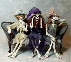 The Haunted Dollhouse - Patricia Paul Studio - the original Halloween Village, Holidays Halloween, Halloween Crafts, Halloween Decorations, Halloween Stuff, Halloween Trophies, Halloween Garland, Halloween Candles, Halloween Witches