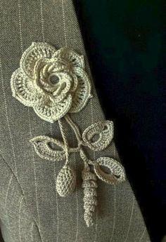 Captivating Crochet a Bodycon Dress Top Ideas. Dazzling Crochet a Bodycon Dress Top Ideas. Col Crochet, Irish Crochet Patterns, Crochet Motifs, Freeform Crochet, Thread Crochet, Crochet Crafts, Crochet Projects, Crochet Bouquet, Crochet Brooch