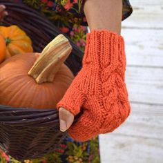 Wool fingerless gloves pumpkin orange cable #socksandmittens #knitting #fingerlessgloves #pumpkin #orange