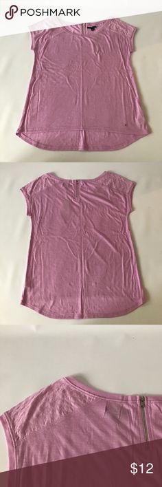 American Eagle top NWT American Eagle top with a quilted look on shoulders and a small zipper on the back in a lilac color American Eagle Outfitters Tops