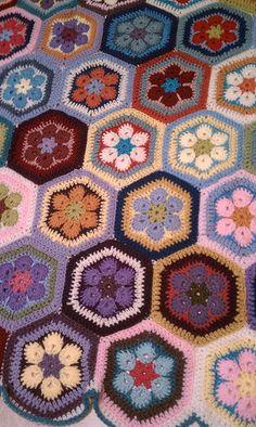 African flower afghan   Flickr – Compartilhamento de fotos!