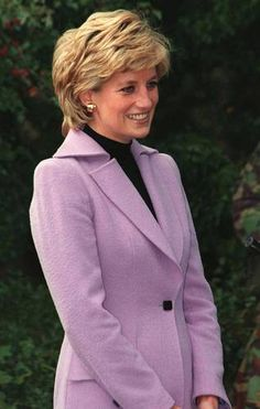 Princess Diana's hair in 1995 was done by hairsytlist to the stars, Daniel Galvin (who is still in business today.)