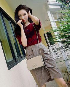Sunmi ♡ South Korean Girls, Korean Girl Groups, Kpop Fashion, Fashion Outfits, Airport Fashion, Lee Sun, Wonder Girls Members, Hyuna Kim, Korean Celebrities