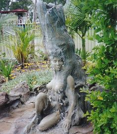 Greatest Artwork's in Tree - Tree Sculptures | odd and funny stuff. Awesome!