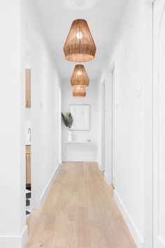 2017 Trends for Modern Hallway Design Apartments is about creating the best lobby design standards to create comfort in your home so that it creates the ideal l Lobby Design, Design Entrée, Flur Design, Design Case, Design Ideas, Design Inspiration, Entryway Lighting, Entryway Decor, Entryway Ideas