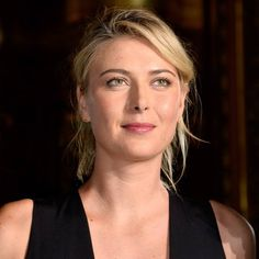 Tennis player Maria Sharapova attends the Stella McCartney show as part of the Paris Fashion Week Womenswear Spring/Summer 2016 on October 2015 in Paris, France. Maria Sharapova Hot, Maria Sarapova, Casual Updo, Wimbledon Champions, Tennis Players Female, Celebs, Celebrities, Celebrity Hairstyles, Stella Mccartney