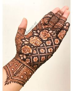 94 Easy Mehndi Designs For Your Gorgeous Henna Look Khafif Mehndi Design, Floral Henna Designs, Mehndi Designs Feet, Latest Bridal Mehndi Designs, Indian Mehndi Designs, Full Hand Mehndi Designs, Henna Art Designs, Mehndi Designs 2018, Stylish Mehndi Designs
