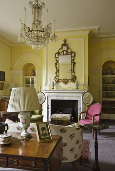 The Drawing Room at Fenton House, as redecorated by John Fowler in 1973. ©National Trust Images/John Hammond