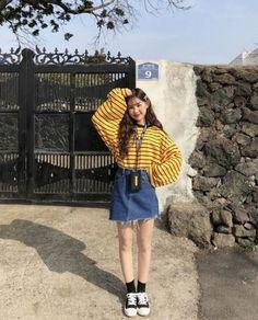 korean fashion outfits that look trendy. korean fashion outfits that look tr Korean Fashion Trends, Korean Street Fashion, Korea Fashion, 80s Fashion, Asian Fashion, Trendy Fashion, Vintage Fashion, Fashion Outfits, Fashion Tips