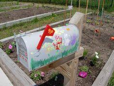 Children's Gardens mailbox/paint