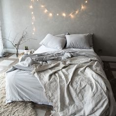 Grey bed sheets for a cozy relaxing bedroom. Modern Bed Sheets, Grey Bed Sheets, Duvet Sets, Duvet Cover Sets, Grey Bedding, King Size, Pillow Cases, Cozy, Pillows