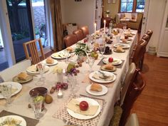 Table setting for 14 people