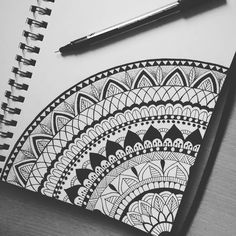 40 Beautiful Mandala Drawing Ideas & Inspiration - Brighter Craft Source by Need some drawing inspiration? Here's a list of 40 beautiful Mandala drawing ideas and inspiration. Why not check out this Art Drawing Set Artist Sketch Kit, perfect for practisin Mandala Doodle, Mandala Art Lesson, Mandala Artwork, Mandala Painting, Mandala Sketch, Zen Doodle, Croquis Mandala, Art Du Croquis, Mandalas Drawing
