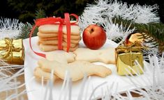 Zázvorky Cheese, Table Decorations, Food, Essen, Meals, Yemek, Dinner Table Decorations, Eten