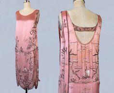 Années 1920 réservés robe / rose Satin 20 s par GuermantesVintage                                                                                                                                                      Plus