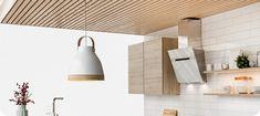 Moderný lamelový strop | Koner - luxusné drevené vane, umývadlá, sprchové vaničky a doplnky Vane, Ceiling Lights, Lighting, Home Decor, Lights, Interior Design, Home Interiors, Lightning, Decoration Home