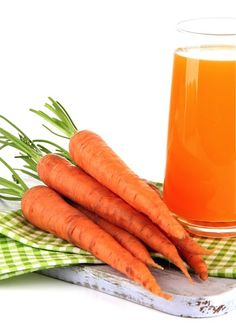 Carrots are another great complex carbs for pre workout fuel! Get 10 other pre and post workout snacks by clicking the picture.