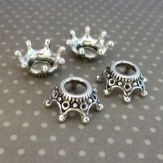 Pack of 30 - Tibetan Style Antique Silver Crown Bead Caps