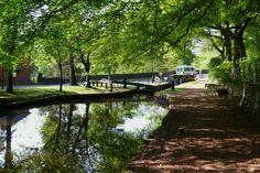 Huddersfield Canal - Saddleworth - West Yorkshire - England