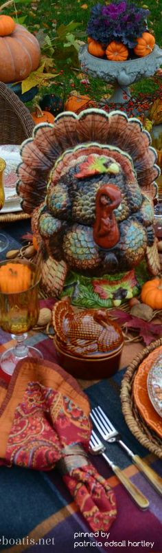 Falling Back: Thanksgiving Round Up of Recipes and Table Inspiration