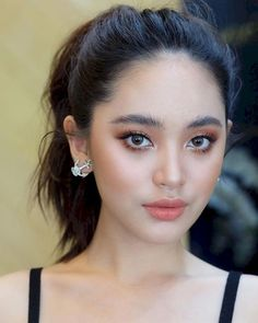 41 Quick and Simple Asian Makeup Ideas to Try Now Shimmery and Natural Summer Makeup - Das schönste Make-up Natural Makeup For Blondes, Natural Summer Makeup, Best Natural Makeup, Natural Brows, Natural Beauty, Lemy Beauty, Beauty Make-up, Beauty Hacks, Asian Beauty