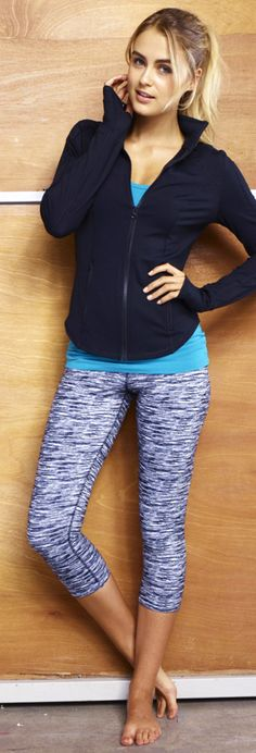 Who says you can't look good while working out? Wear an outfit that expresses you!