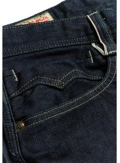 The Quest for the Perfect Pair of Jeans Raw Denim, Denim Jeans Men, Replay Jeans, Denim Branding, Denim Fashion, Fashion Pants, Jeans Style, Menswear, Bigger Thighs
