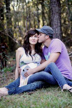 Great outside maternity shoot idea!