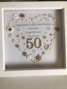 Goldener Hochzeitstag Button Art Frame goldener Hochzeitstag Geschenk Jubiläumsgeschenk Best Picture For DIY Anniversary for boyfriend For Your Taste You are looking for something, and it is going Golden Wedding Anniversary Gifts, 50th Wedding Anniversary Decorations, 50th Anniversary Gifts, Silver Anniversary, Anniversary Parties, Wedding Gifts, Anniversary Cards For Couple, Handmade Anniversary Gifts, Sapphire Anniversary