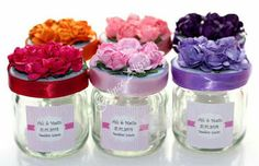 Adorables souvenirs con frasquitos de vidrio Wedding Gift Wrapping, Wedding Gift Boxes, Wedding Candy, Diy Wedding Favors, Wedding Jars, Crafts With Glass Jars, Baby Shower Souvenirs, Jar Packaging, Recycle Cans