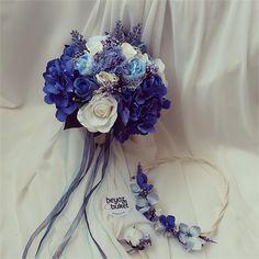 Saks Mavisi Gelin Çiçeği Seti    Mavinin neredeyse her tonunu içinde barındıran, ortancaların ağırlıkla kullanıldığı gelin çiçeği lacivert, mavi, saks mavisi damatlıkların yanına da çok yakışacak