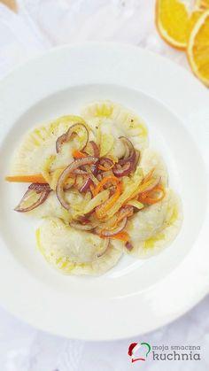 Pierogi z mięsem, cebulą i marchewką