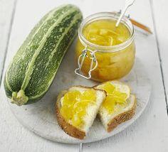 Geleia de Abobrinha: (Ciclo Geleia) 4 xícaras de abobrinhas descascadas e bem picadas 4 xícaras de açúcar cristal 1 colher de sopa de suco de limão 1 colher de ...