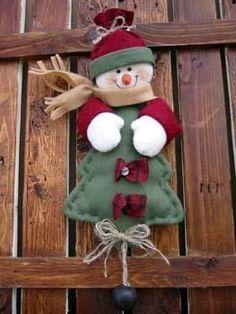 colgante: muñeco de nieve con árbol