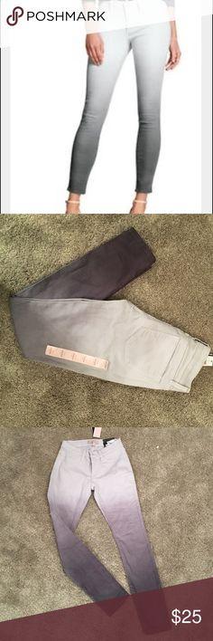 Banana Republic gray ombré legging size 24/00P Banana republic petite legging. Cute ombré. Banana Republic Jeans Skinny