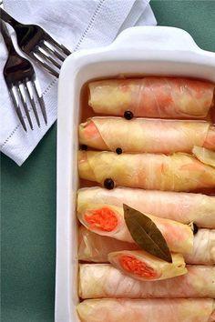 Я маринованную капустку предпочитаю подавать на завтрак с сыром и омлетом. 1 кочан капусты 4-5 морковок 4-5 зубчиков чеснока 1 ч.л. кориандра Маринад 4-5 зубчиков…