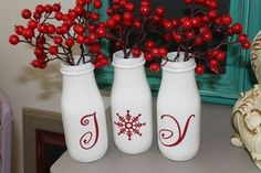 Awesome crafts To Repurpose Starbucks Glass Bottles! More glass bottle crafts Awesome crafts To Repurpose Starbucks Glass Bottles! Easy Diy Crafts, Christmas Projects, Holiday Crafts, Holiday Fun, Fun Crafts, Holiday Decor, Starbucks Bottle Crafts, Starbucks Glass Bottles, Milk Bottles