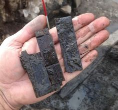 Archaeologists have unearthed a stylus wax tablet at the site of a Roman fort on Hadrian's Wall in Northumberland. The Romans used wooden tablets covered with a layer of wax for writing Ancient Egyptian Art, Ancient Aliens, Ancient Rome, Ancient History, European History, Ancient Greece, American History, Roman Artifacts, Ancient Artifacts
