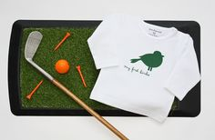 Newborn baby t-shirt ''My First Birdie''. The perfect baby shower gift for golf loving parents! As we say; Big golfers come in small packages ;-)
